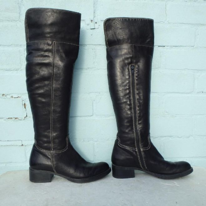 Bertie Black Leather Boots Size Uk 3 Eur 36 Sexy Womens Pull on white stitching